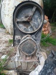 betoneira 400l<br><br>Por R$: 1.600