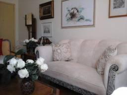 Título do anúncio: Jogo de sofá e poltronas antigos