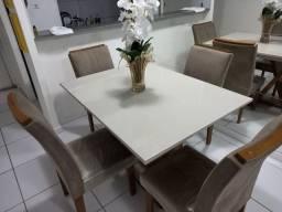 Mesa de jantar e conjunto de 4 cadeiras