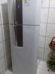 Vendo geladeira nova Electrolux fros fre