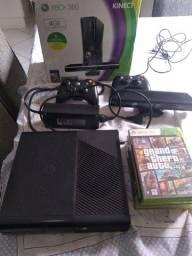 Xbox desbloqueado com 2 controles sem fio +Kinect+jogos