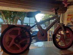 Bicicleta infantil da Barbie