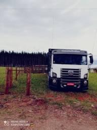 Caminhão boiadeiro 24280