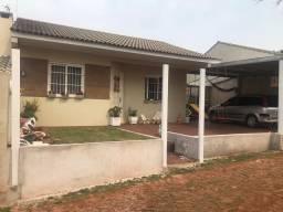 Vendo casa de 2 quartos em Condomínio Fechado