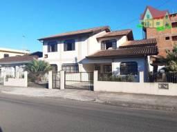 Título do anúncio: Sobrado Residencial +Residencia em Alvenaria C/300m2 +Terreno C/360m2 No Bairro Iririu!