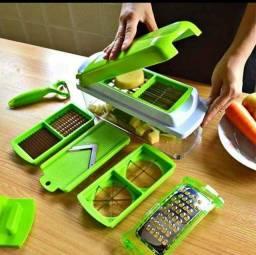 Fatiador , descascador,  Ralador de legumes . Mais praticidade na sua cozinha.