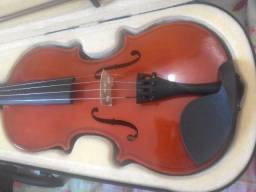 Violino em estado de novo