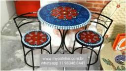 Conjunto mesa e cadeira mosaico