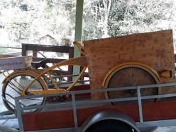 Food bike semi nova Evolux com ombrelone + carretinha para transporte