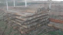 Vende-se palanque de concreto e eucalipto tratado usado.