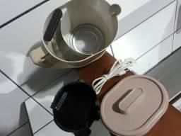 Cafeteira eletrica antiga p 10 cafezinho funcionando perfeitamente (c marcas de uso)