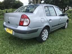 Renault Clio Sedan 1.6 Completo - 2005