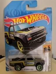 Hot Wheels 87 Dodge D100