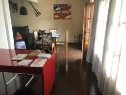 Alugo apartamento no centro de São Lourenço mg