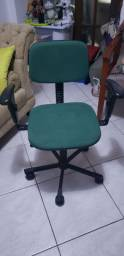 Cadeira Secretaria com braços reguláveis