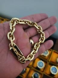 Pulseira dourada banhada 18k mod cadeado 12mm