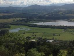 Sitio em Santo Antônio 8 Ha com Campo, Roça e Galpão. Linda Vista. Peça o Vídeo Aéreo
