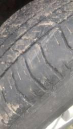 Pneus brigestone 265-65 r.17  usados