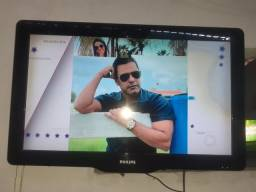 Vendo TV LCD 32,com marcas, mais funciona normal,por R$350,00