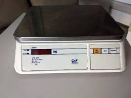 Balança Eletrônica C&F