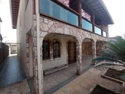 Título do anúncio: Casa à venda, 3 quartos, 2 suítes, 7 vagas, Heliópolis - Belo Horizonte/MG