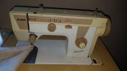 Máquina de costura Elgin Decora