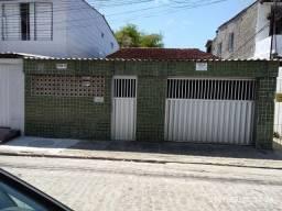 Casa à venda no bairro do Arruda, Recife - PE