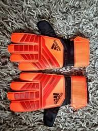 Luvas de goleiro Adidas Predator tam. 9 e 10