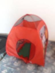 Piscina de bolinha com túnel
