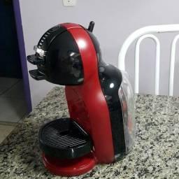 Título do anúncio: Cafeteira Dolce Gusto Mini Me Vermelho e Preto Automática na Caixa