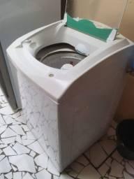 Título do anúncio: Eu vendo cama e maquina de lavar em bom estado