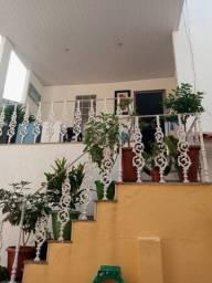 Excelente casa 2 qtos Eng. de Dentro