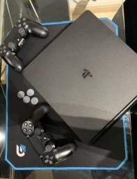 PS4 $1600 2 controles vários Jogos
