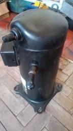 Vendo compressor de ar condicionado 60.000 btus 220v
