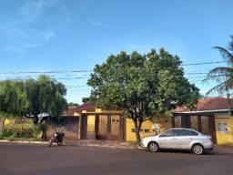 Alugo casa, perto Comper da Tamandaré