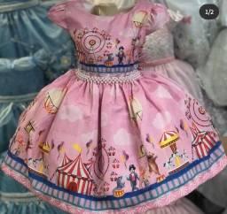 Título do anúncio: Vestido circo rosa