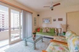 Apartamento 3 dormitórios no centro de Torres/RS - Mobiliado - Sacada com churrasqueira