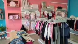 Título do anúncio: Vendo loja vestuário infantil completa