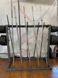 Barras cromadas para musculação