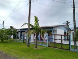 Casa com 3 dormitórios mais anexo com 2
