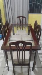 Mesa de 6 (seis) cadeiras