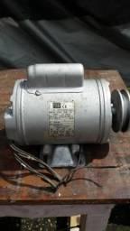 Motor de indução- de baixa
