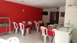 Restaurante na Avenida Luís Tarquínio Lauro de Freitas