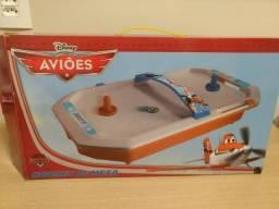Hockey de mesa - Aviões da Disney Aero Hockey