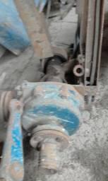 Bomba de agua com base para motor e protetor de correias