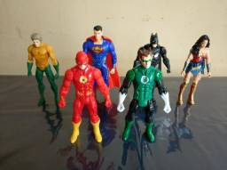 Bonecos Liga da Justiça DC