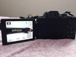 Câmera Nikon P520 semi profissional