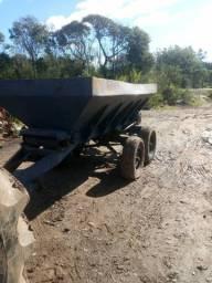 Calcareadeira 5 toneladas para trator