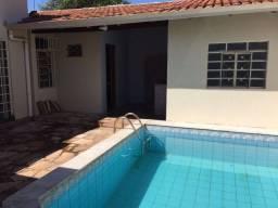 Casa de 4 quartos com piscina na região do CPA