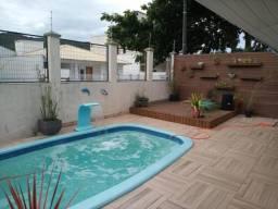 Casa com piscina para temporada em Bombinhas